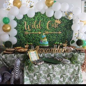 3 safari leaf design tablecloths